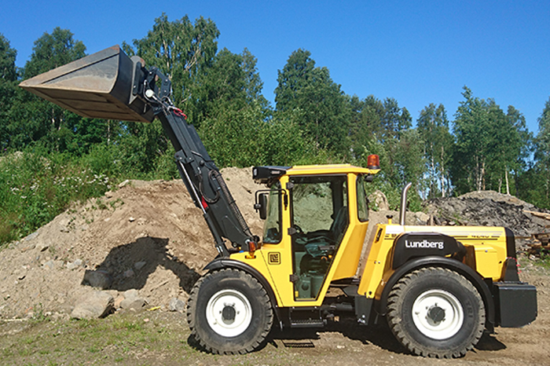 700x466_Lundberg_lifting_loading_unloading